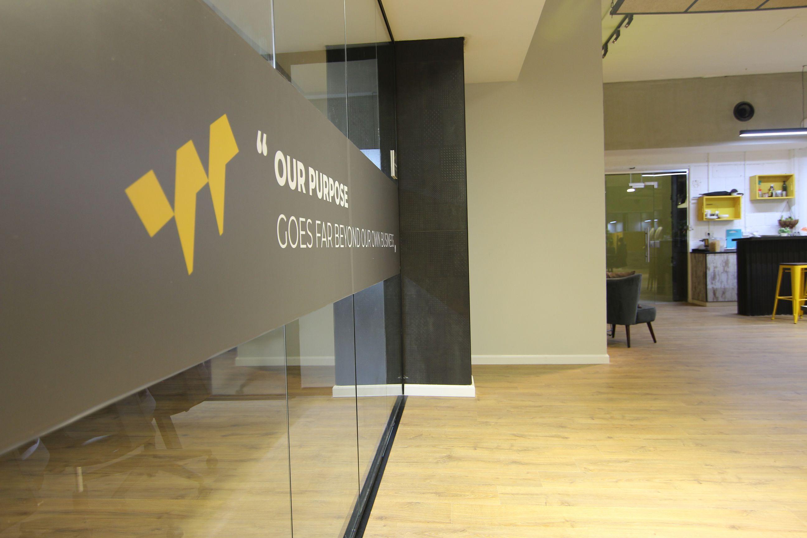 עיצוב פנים זכוכית למשרד | אדריכלות זכוכית למשרד - זכוכית למשרד